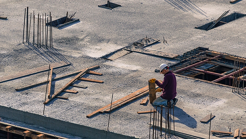 When to Opt for Commercial Flat Roof Replacement or Repair?